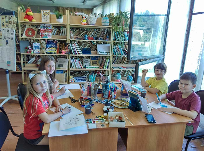 Мастер-класс по живописи от художника Рыженко В.А. в Аннинской сельской библиотеке