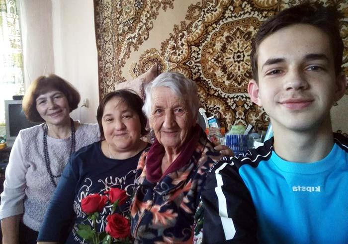 Поздравляем с днем учителя Анохину Зинаиду Сергеевну