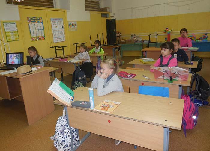 Акция «Читаем книги Николая Носова» в сельской библиотеке пос. Труд
