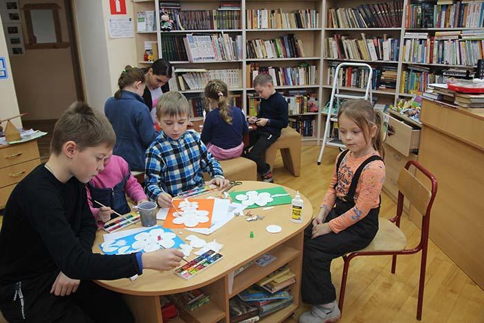 День матери «Мама, милая, мама!» в Крутовской сельской библиотеке