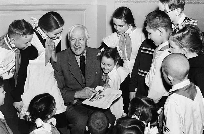 31 марта родился Корней Чуковский - русский поэт и литературовед, автор детских стихотворных сказок