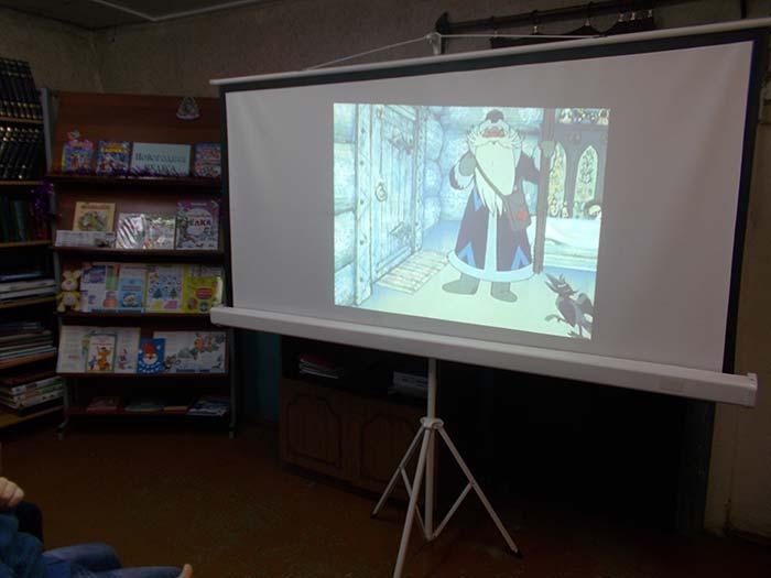 Видео час «Зимний мультфейерверк». Костинская сельская библиотека