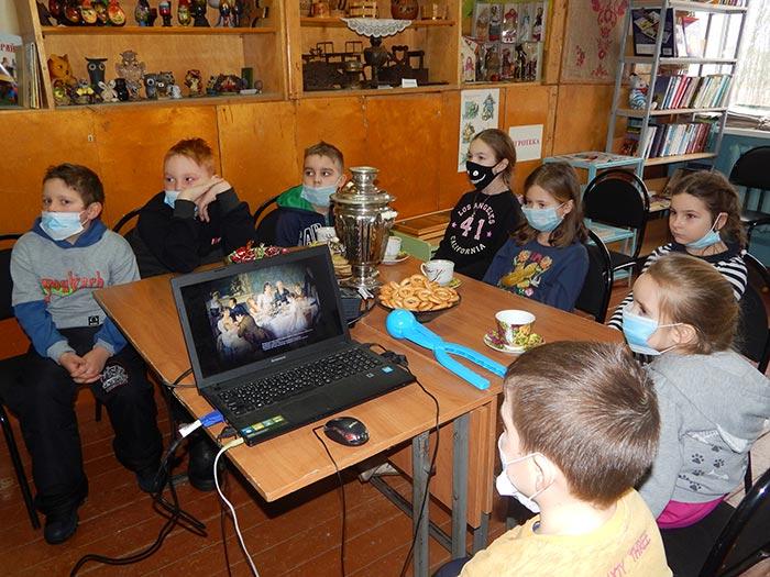 Чайные посиделки с юными читателями библиотеки «Мы за чаем не скучаем»