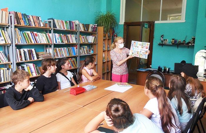 """Конкурс рисунков """"Мы рисуем лето"""" в Пекшинской сельской библиотеке"""