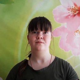 Кшикина Александра читает стихотворение «День библиотек»