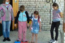 Игровая программа на улице «День веселых затей». Пахомовская сельская библиотека