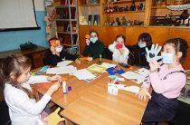 Арт–час детского творчества «Подарок от сердца». Головинская сельская библиотека