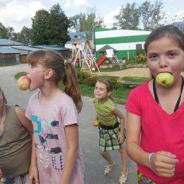 Игровая программа «Яблочный Спас — нам гостинцы припас»