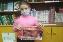 Мастер-класс по изготовлению коврика своими руками в подарок мамам. Пахомовская сельская библиотека