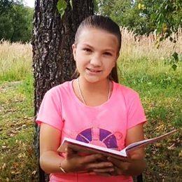 Акция «Здравствуй, школа!» Харитонова Лилия читает рассказ Э.Ю. Шима «Пятерки»